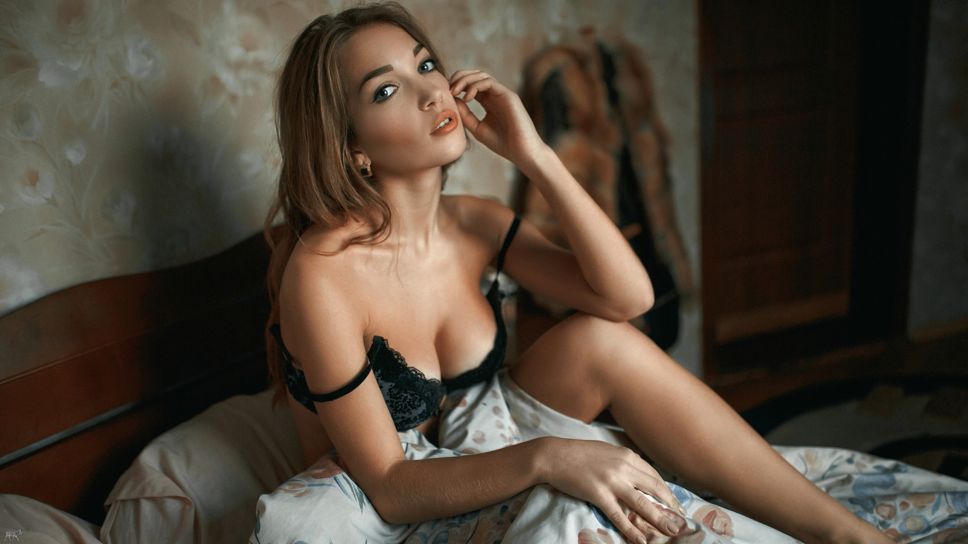 Московские проститутки и индивидуалки ждут твоего звонка.